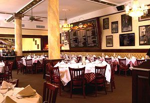 Tony Di Napoli In Nyc Theater District Restaurant Guide World Recipes Italian Restaurant