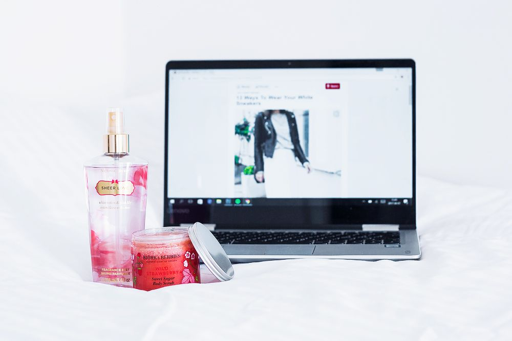 HTTP://NOUW.COM/BELLSS    #white #interior #decor #fashion #girly #victoria's secret #pink #cozy #morning #beauty #products