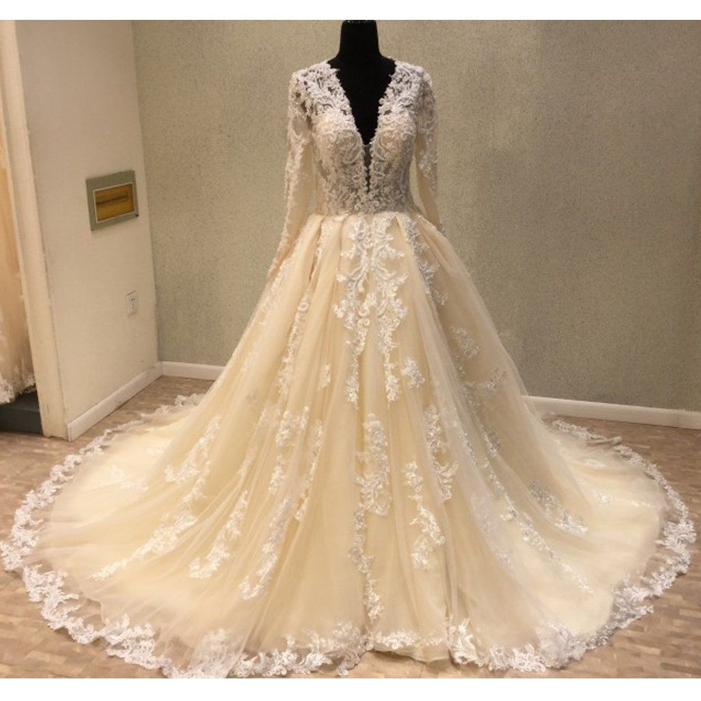 Luxury long sleeves tulle applique charming long v neck bridal