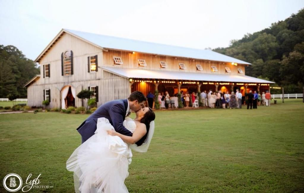 Pin by madisonsmith.us on Venue in 2020 | Barn wedding ...