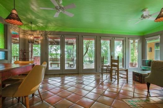love the color, the windows, and the tile
