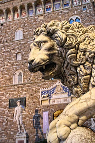 """Firenze - Medici-Löwe in der """"Loggia dei Lanzi"""""""