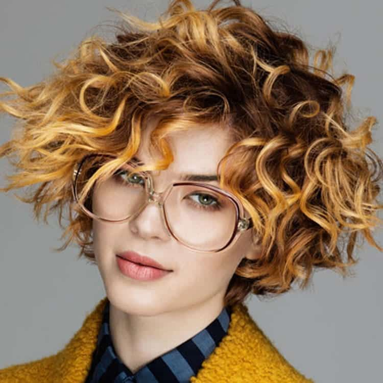 Short Curly Haircuts For Women 2019 25