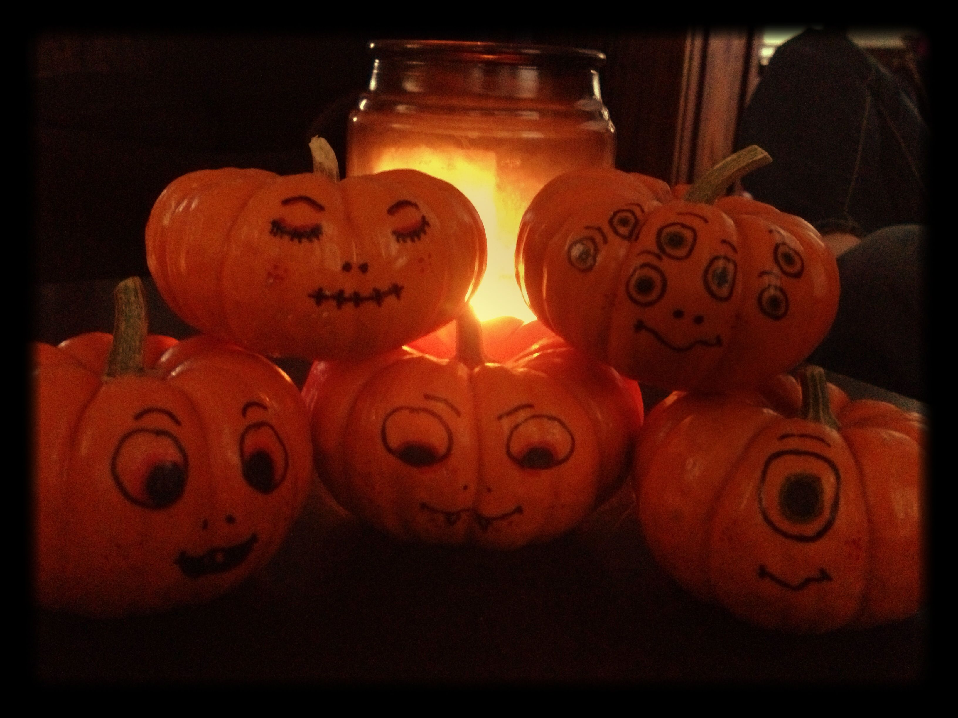 Decorating Mini Pumpkins Use Sharpies To Draw Cute Or Creepy Faces Halloween Pumpkins Carvings Pumpkin Drawing No Carve Pumpkin Decorating