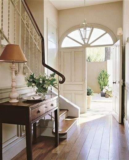 Ingresso stile classico in 2019 idee per la casa for Case arredate stile classico