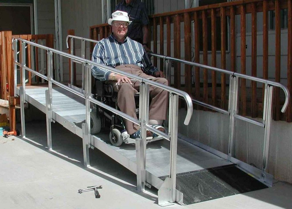 Wheelchair assistance wheelchair ramp wheelchair ramps for Wheelchair homes