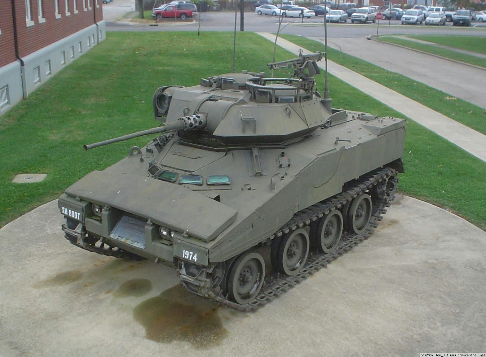 Reconnaissance vehicle armored light