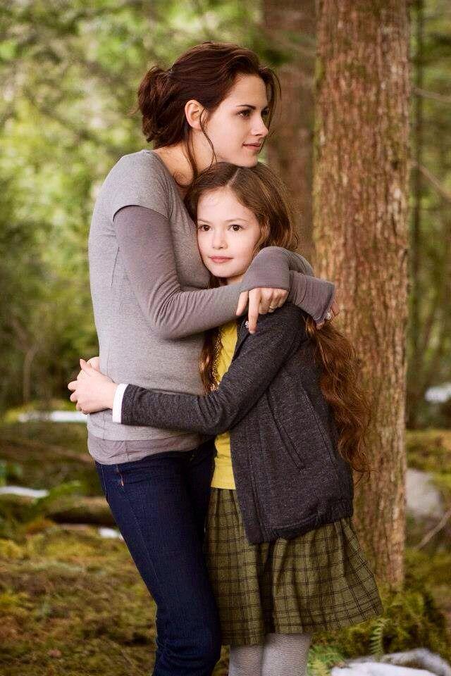 Bella Renesmee Breaking Dawn Part 2 Crepusculo Filme Filmes