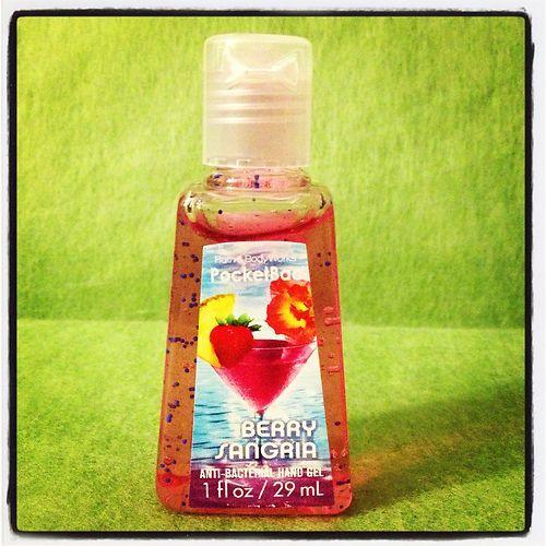Bath Body Works Berry Sangria Hand Sanitizer 1fl 29ml Ebay