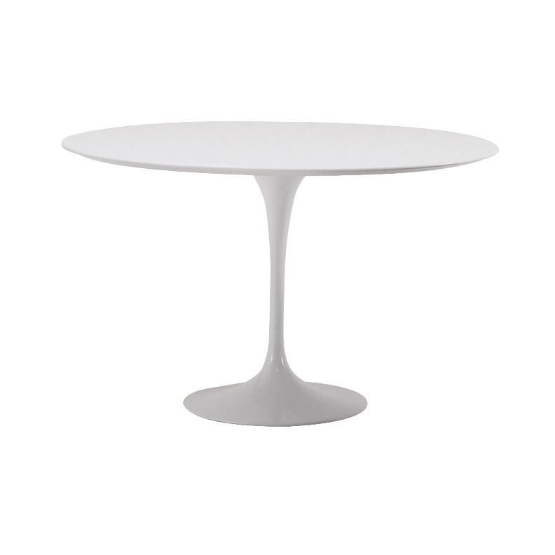 love this white round table! This site is so cool, you can design an entire room by dragging and dropping in items. Perfect because I need to visualize the space :)