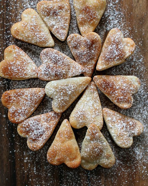 Cuore Valentino | eat / sweet | Pinterest | Pie crust dough, Chocolate filling and Crusts