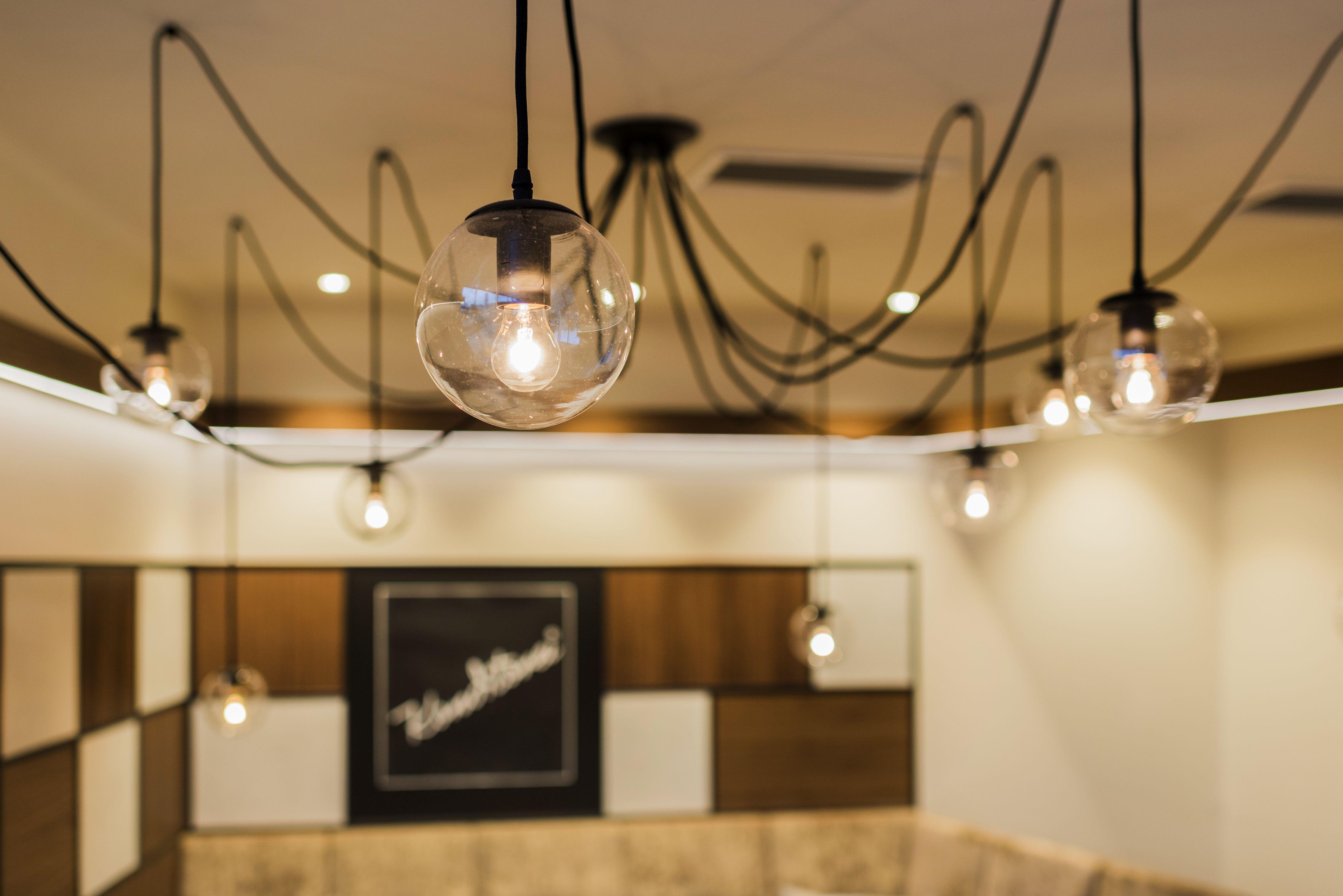 Pin Von Aichinger Auf Lichtkonzepte Ladeneinrichtung Ladenbau Lichtkonzept