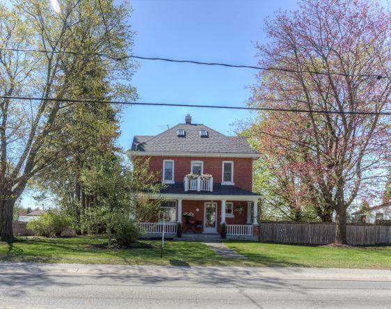 2133 Victoria Street East, Innisfil, Ontario