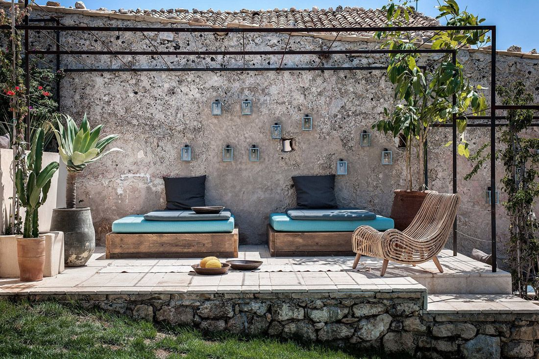This Reimagined Sicilian Masseria Envelops Guests in
