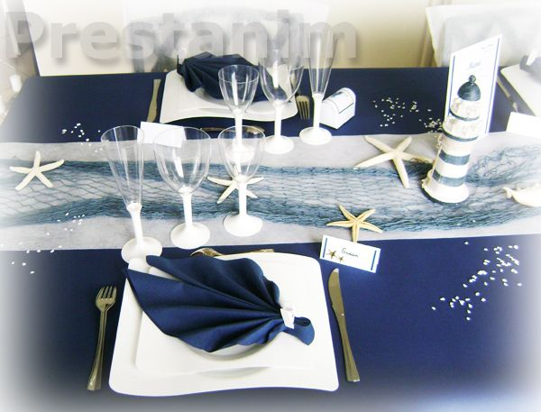 d coration marine et blanc chemin de table bleu buffet mer et filet de p che mariage d cor. Black Bedroom Furniture Sets. Home Design Ideas