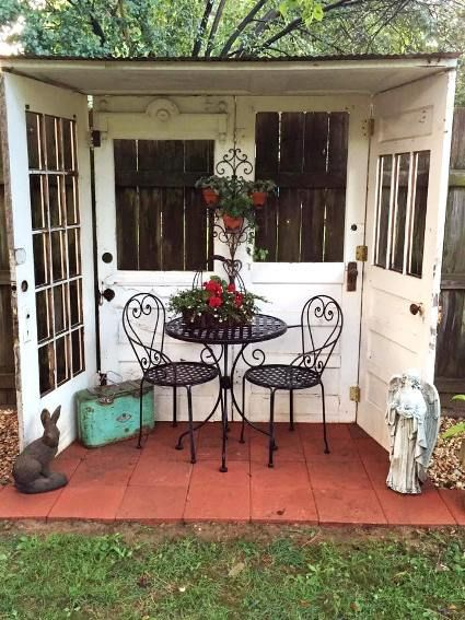 fun garden vignettes from vintage doors