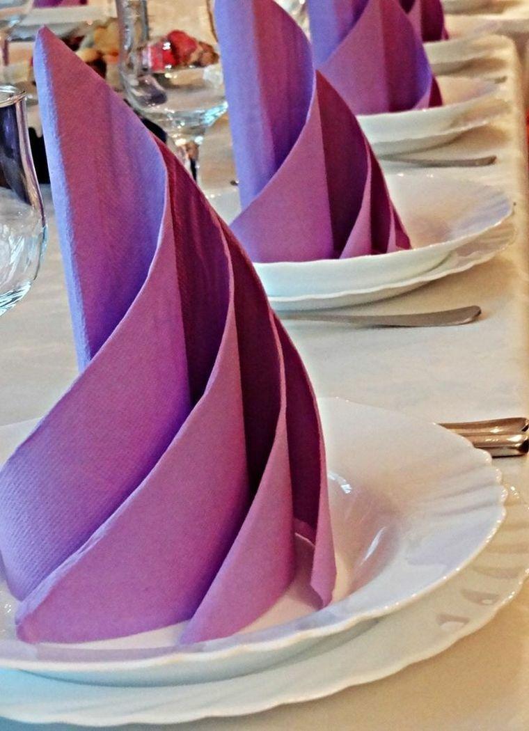 pliage de serviette en papier pour decoration de table