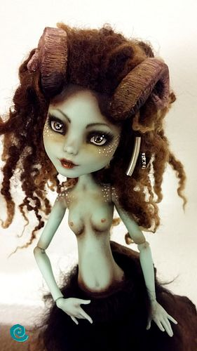My little Monster High Faun ^_^