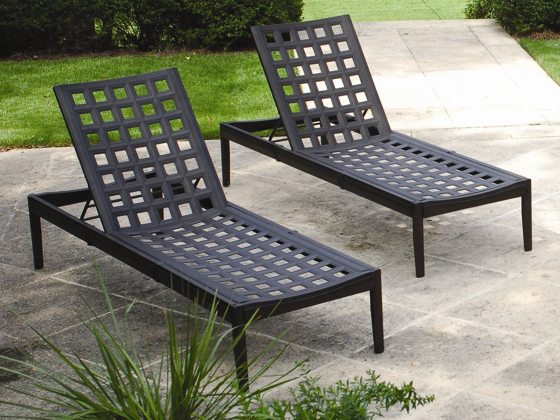 Merveilleux Cast Aluminum Pool Lounge Chairs