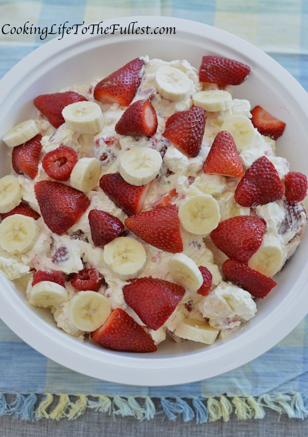 Strawberry-Banana Cheesecake Salad – Cooking Life to the Fullest