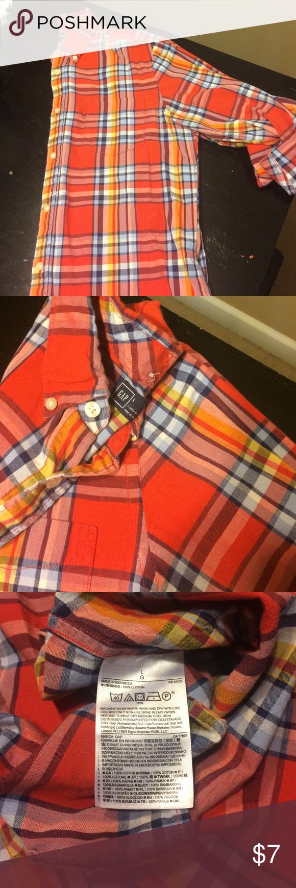 Men's Gap long sleeve shirt This long sleeve Gap button down is gently worn. GAP Shirts Casual Button Down Shirts