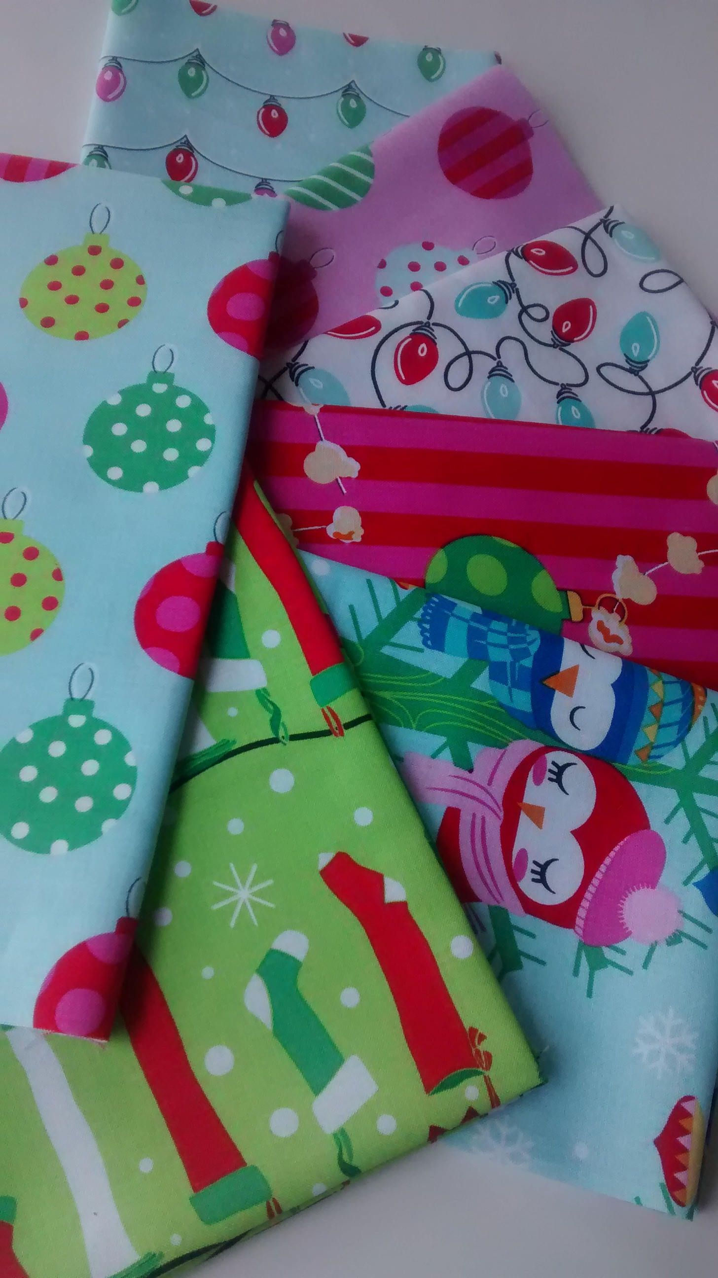 Pin on Holiday Fat Quarters Bundles