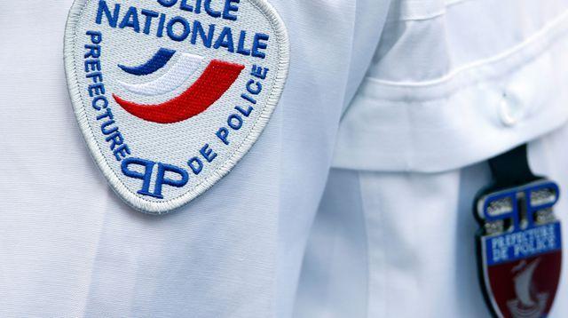 Corbeil-Essonnes: un déséquilibré attaque une policière au couteau, il est tué Check more at http://info.webissimo.biz/corbeil-essonnes-un-desequilibre-attaque-une-policiere-au-couteau-il-est-tue/