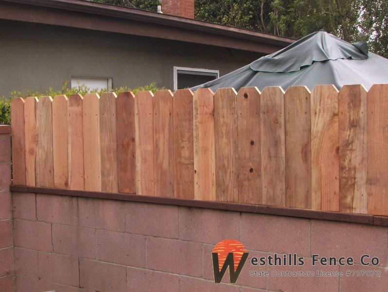 Dog Ear Fence On The Top Of The Wall Victorian Front Garden Backyard Decor Dog Ear Fence