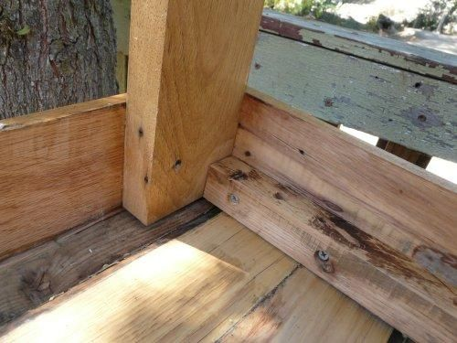 #Pallet table, corner detail