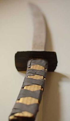 make a samurai sword with this easy tutorial for kids basteln pinterest fasching. Black Bedroom Furniture Sets. Home Design Ideas