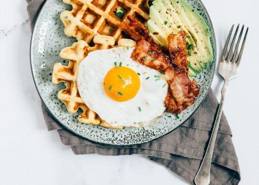 Weekendbites: Hartige Wafels met avocado en bacon | Uit Paulines Keuken | Bloglovin'