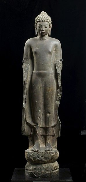 Buddha. Date: first half of the 7th century. Culture: Central Thailand. Medium: Sandstone.
