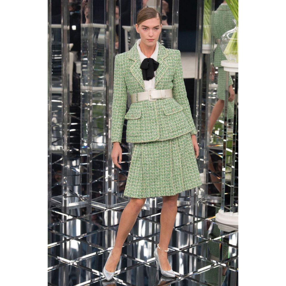 Chanel  #VogueRussia #couture #springsummer2017 #Chanel #VogueCollections