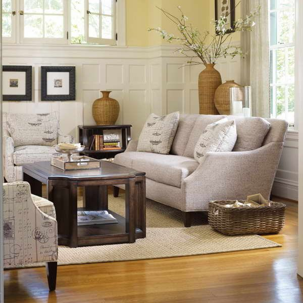 Cottage Style Decorating With Wood Table Cottage Style Decor Bungalow Decor Interior Decorating Living Room