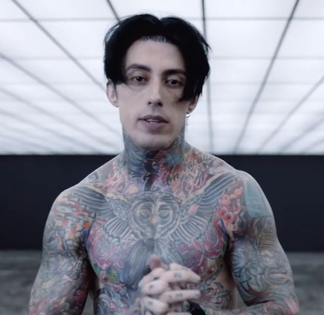 Wallpaper Falling In Reverse Ronnie From Losing My Mind Video Clip Falling In Reverse