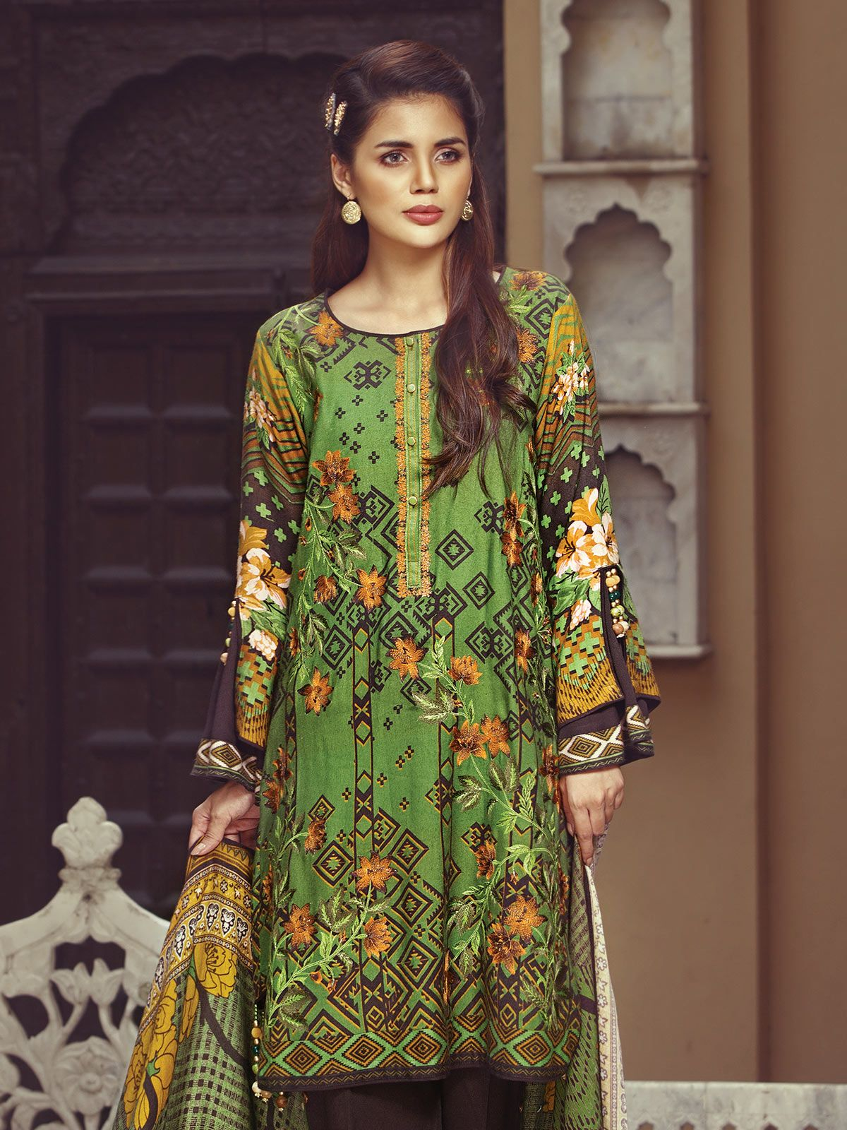 2d22ee08cdb Beautiful green dress by Eden Robe Office wear collection 2019 springcollection   spring  readytowear  pretwear  unstitched  online  linen  lawncollection  ...