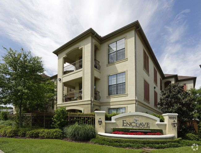 See All Available Apartments For Rent At The Enclave At Cedar Lodge In Baton Rouge La The Enclave At Cedar Lodge Has Rent Lodges Baton Rouge House Styles