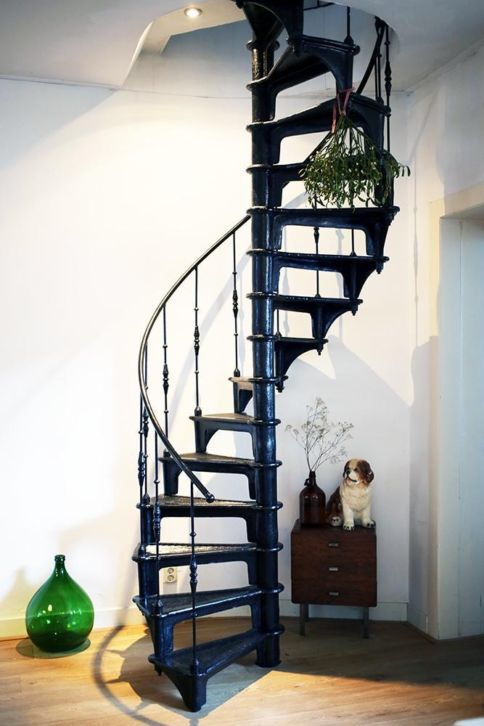 Zwarte draaitrap trap pinterest zwarte trappen for Stalen draaitrap