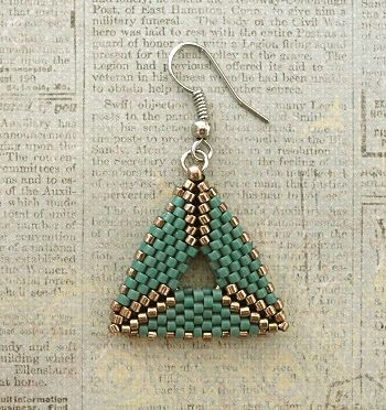Linda's Crafty Inspirations: 3D Peyote Triangle Earrings - Variations