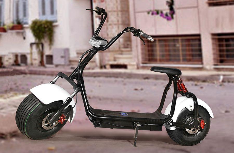 Cem Yilmaz Ve Ekibiyle Birlikte Hayatimiza Yeni Bir Elektrikli Motosiklet Girdi Electro Wind Ozellikle Unluler Arasinda Kisa Za Motorlar Motosikletler Cevreci
