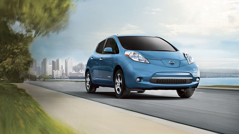 The 100 Electric Nissan Leaf Makes It Easy To Be Green With No Tailpipe No Fumes And Zero Emissions Not Nissan Leaf Nissan Leaf Electric Cars Electric Cars