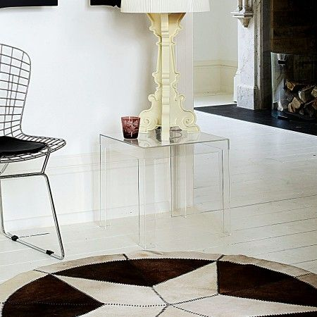 Pin By Mally Priest On End Tables Coffee Table Furniture Acrylic Side Table Table