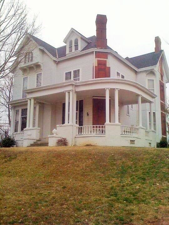 Remarkable 230 S Morgan St Morganfield Ky 42437 Historic Houses Download Free Architecture Designs Scobabritishbridgeorg