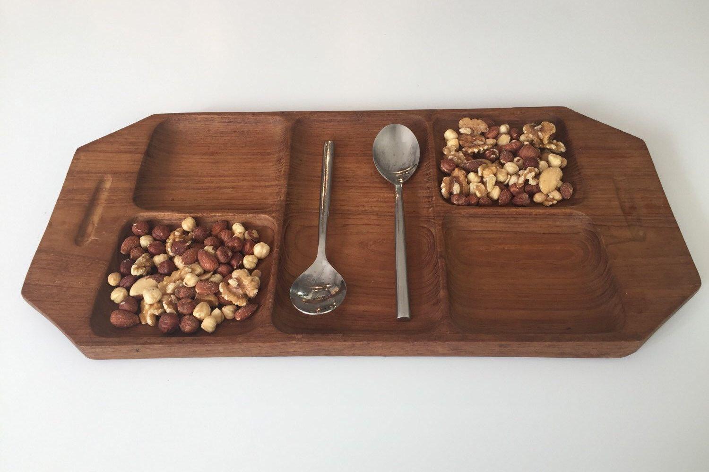 Een persoonlijke favoriet uit mijn Etsy shop https://www.etsy.com/nl/listing/398687407/teak-wood-danish-modern-serving-tray