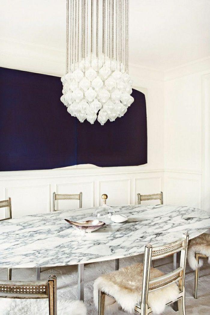 vous présente la table en marbre