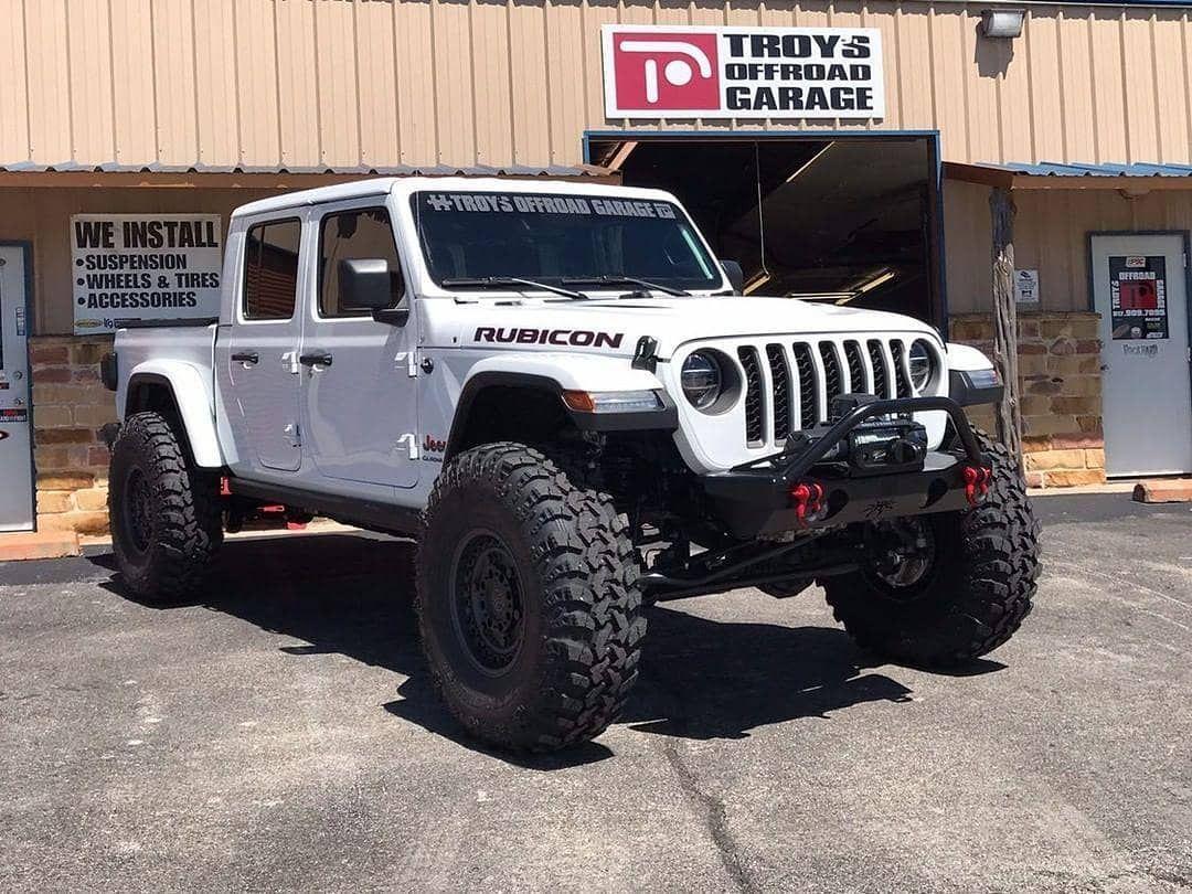 A Imagem Pode Conter Atividades Ao Ar Livre With Images Jeep Gladiator Offroad Jeep Badass Jeep