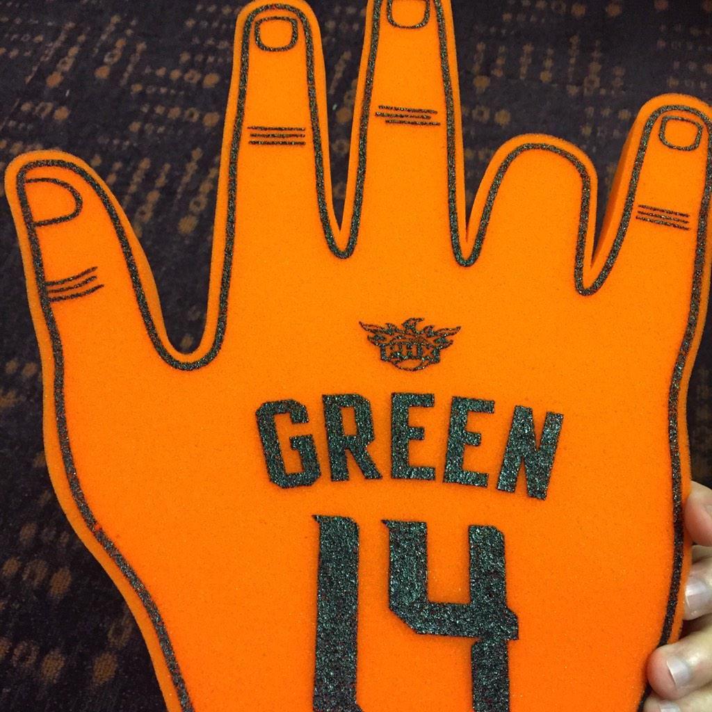 NBA - Gerald Green Foam Finger By Phoenix Suns - http://www.theinspiration.com/2015/01/nba-gerald-green-foam-finger-phoenix-suns/
