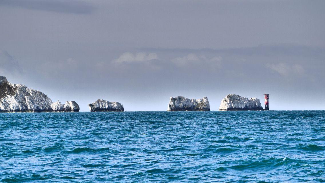 The Needles! 800 Seemeilen in Richtung Mittelmeer !  800 Seemeilen oder knapp 1500 km sind wir in den letzten Wochen unserem nächsten Ziel Portugal schon näher gekommen.