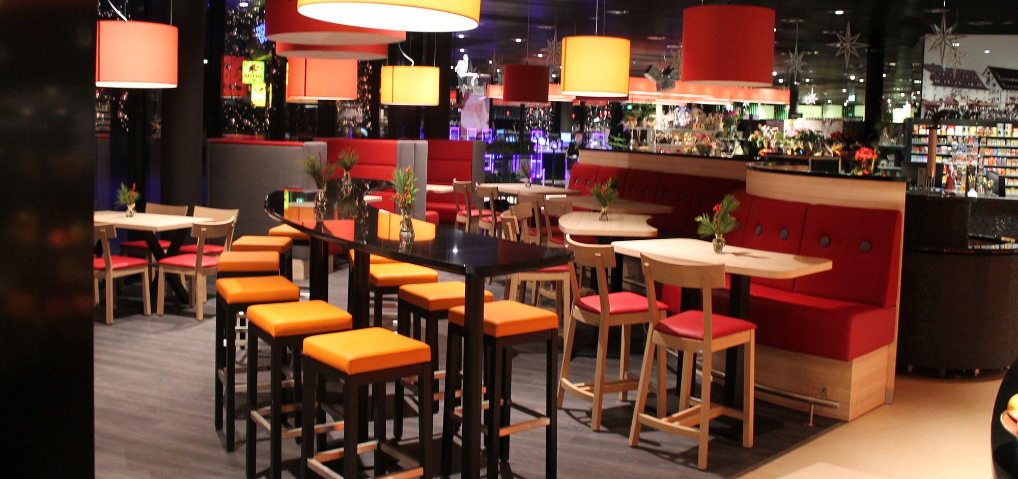 Einrichtung Gastronomie Edeka Waren. #Stühle, #Barhocker ...