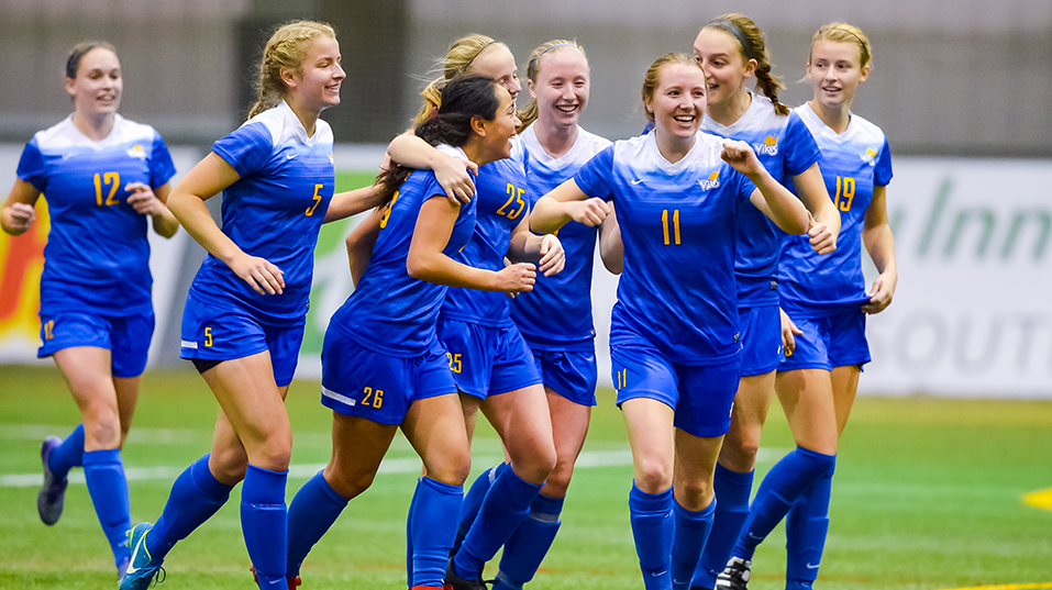 Uvic Vikes Women S Soccer Team Ended On A High Note Soccer Women National Championship